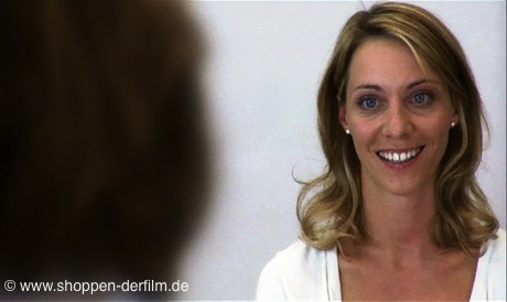 Julia Heinze in dem Film Shoppen